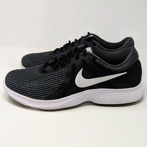 online retailer b6df4 41b67 Nike Revolution 4 Men's Running Shoe Size 10.5